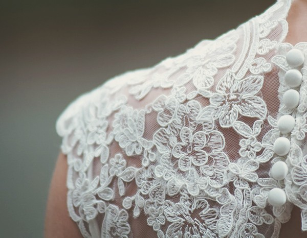 How to choose a wedding dress based on your body type