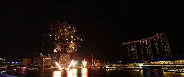 90 SECONDS FIREWORKS // FULLERTON BAY HOTEL